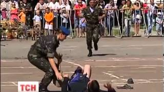 Мужчине переломали ноги на праздновании дня ВДВ в Житомире
