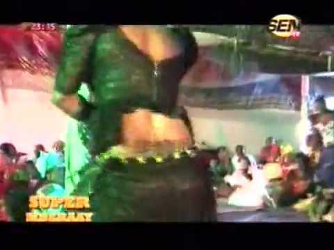 Chaud Leumbeul de la fille de Fatou Laobé dans l'émission Super Mberaay sur SenTv