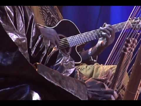Ali Farka Touré & Toumani Diabaté - In the heart of the moon