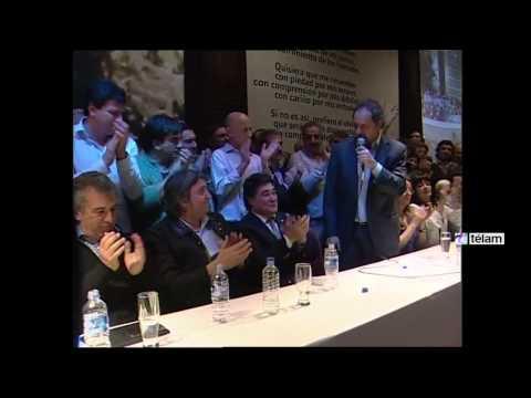 <b>Acto en Santa Cruz. </b>Scioli, Zannini, M�ximo y Urribarri homenajearon a N�stor Kirchner.