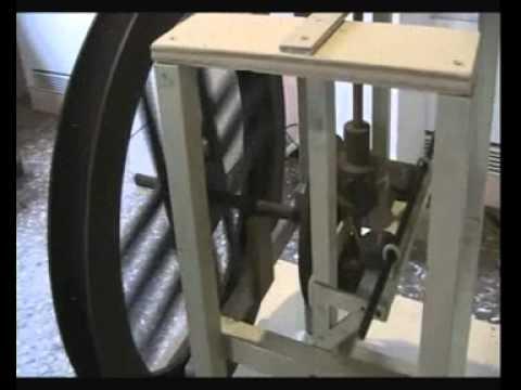Leonardo Da Vinci -Trasmissione a cinghia con meccanismo per movimento alternativo