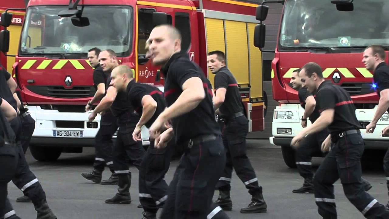 Flashmob David Guetta des pompiers de St Priest