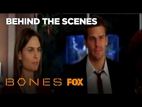 Bones and Booth Kiss (Behind the Scenes)!