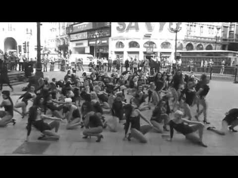 Beyonce 100 Single Ladies Flash-Dance Piccadilly Circus, London for Trident Unwrapped