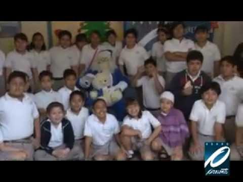 Santa Azul de Grupo Presente Multimedios visita escuelas II