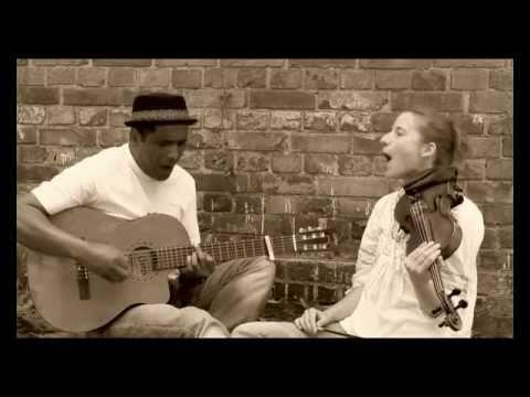 """Erick MANANA & JENNY - """"2CV-dRandria"""""""