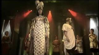 24 - Teď královnou jsem já - Monika Absolonová