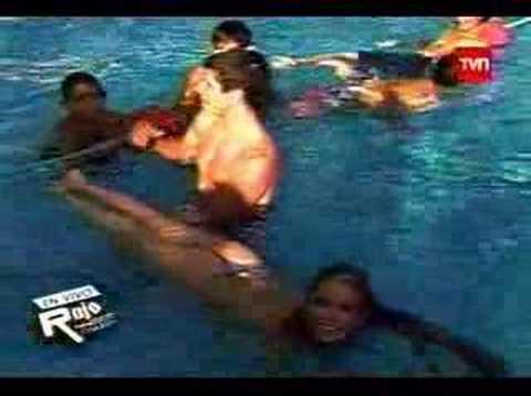 Yamna Lobos en Bikini, Tanga 2