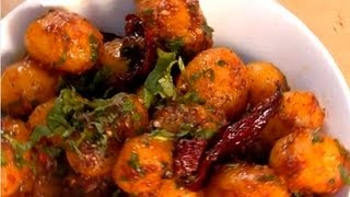 Garlicky Chilli Potatoes ..