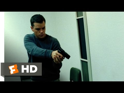 The Bourne Supremacy (3/9) Movie CLIP - Escaping ... poster