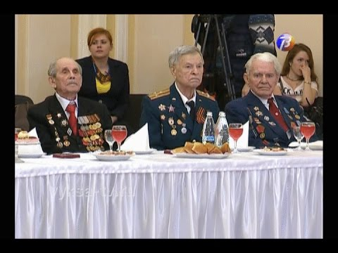 Валерий Шанцев вручил юбилейную медаль выксунцу Борису Ивановичу Модэнову
