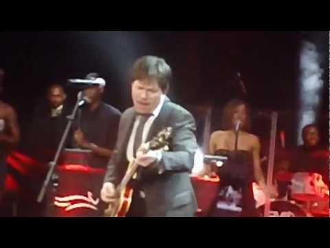 Michael J. Fox Playing Johnny B. Goode LIVE!