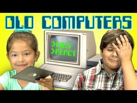 Old Apple II شاهد كيف سيتعاملون أطفال اليوم مع كمبيوتر