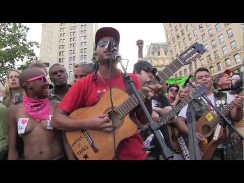 "#S17 TOM MORELLO ""World Wide Rebel Song"" Occupy Wall Street @ Foley Square #OWS 9/16/12"
