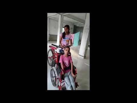 अपंग भावाकरिता बहिणीने बनवली अनोखी सायकल