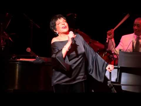 """New York, New York"" (Live) - Liza Minnelli - San Francisco, Davies Symphony Hall - March 28, 2014"