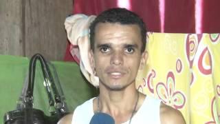 CATADOR DE LIXO DE ROND�NIA SONHA EM SEGUIR CARREIRA COMO CANTOR