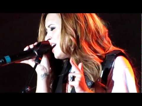 Demi Lovato Fix a Heart - Strawberry Festival -Pkyelv85q6A