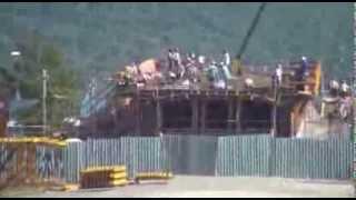 Cruzando a Praia da Cabeçuda em Laguna: obras no mar e na terra construção da Ponte de Laguna