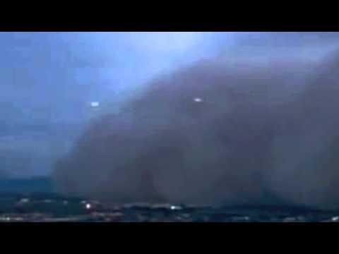 Analysis! 4 Ufo s appear at Phoenix Sandstorm filmed by CNN 06-07-2011