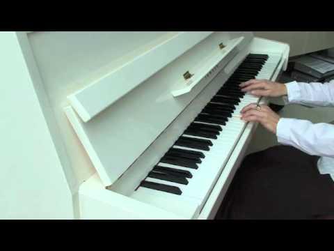 We move lightly (piano solo) - Dustin O'Halloran
