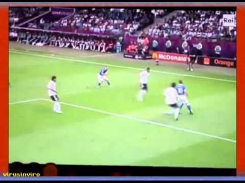 Euro 2012 - Italia vs Germania - La Merkel piange - Angela Merkel cries -  Italy vs Germany 2 - 1