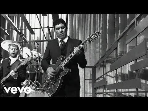 Foo Fighters - Walk (Live on Letterman)