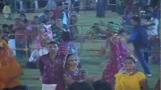 Man Mor Bani Thangat Kare - Gujarati Garba