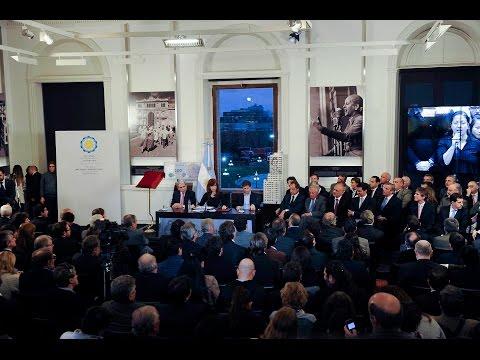 <b>Cadena nacional.</b> Cristina Kirchner hizo anuncios y critic� a la oposici�n.