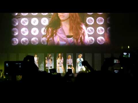 [fancam] SM Town Paris 10.06.2011 - SNSD performing Genie and f(x) with NU ABO - HD