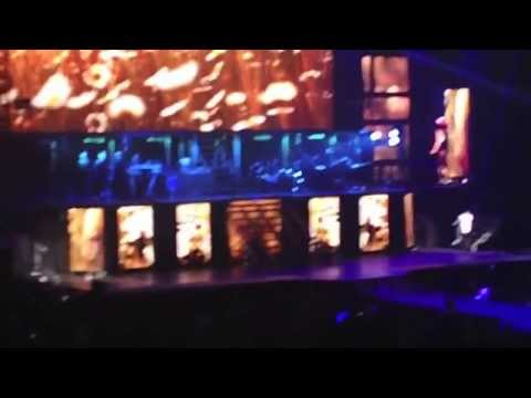 Beautiful - Justin Bieber and Carly Rae Jepsen (Believe Tour - Saskatoon)