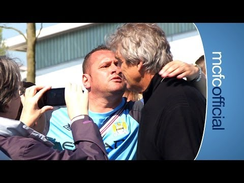 INSIDE CITY 117 Pellegrini kissed by fan
