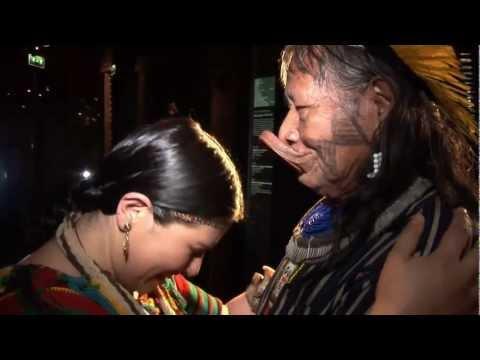 Represa Belo Monte : FIRMA LA PETICIÓN DEL JEFE RAONI en www.raoni.com