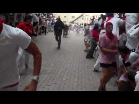 Pamplona - Running With the Bulls HD - July 7th 2011 (1st Day) (Close Calls!!!)