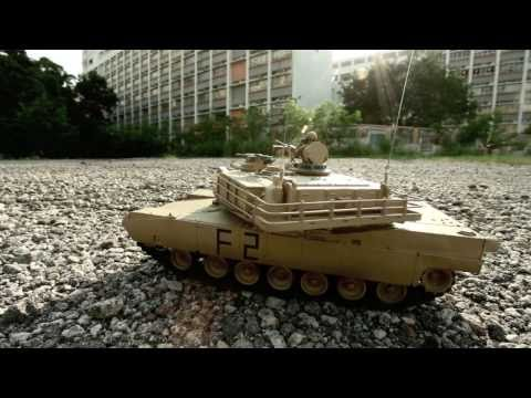 HeliPal.com - M1A2 Abrams RC Tank (1/24)