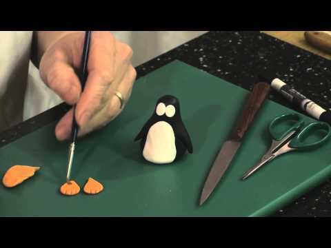 How to make a Penguin with modelling paste with Louise Wilson