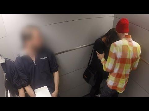 فيديو : رجل يضرب امرأة و يهددها بالقتل داخل المصعد وسط ردة فعل غريبة من الناس !؟