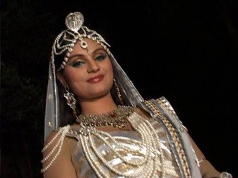 Dimpy Mahajan turns NAGIN for Kahani Chandrakanta Ki