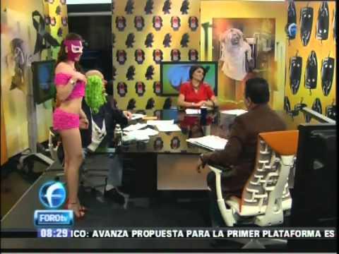 La Reata Brozo presenta la revista donde posa desnuda 11Oct2010