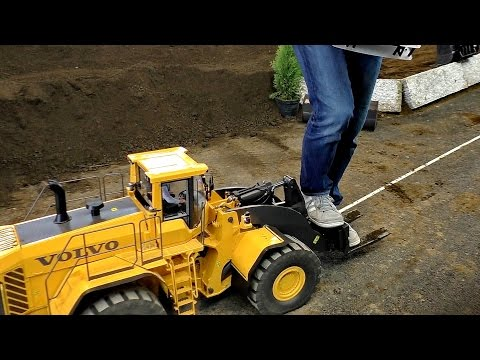 GIGANTIC RC XXXL 120KG VOLVO L350S WHEEL LOADER WITH 80KG WEIGHT / Faszination Modellbau 2016 - default