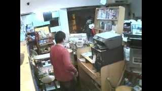 Robo en Cyber Avenfenix, San Lorenzo captado por cámara