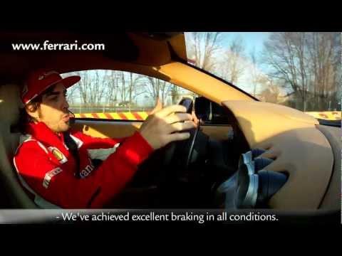 Alonso et Massa testent la Ferrari F12 Berlinetta sur circuit