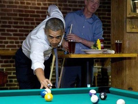 فيديو :شاهد اوباما .. يلعب بلياردو ويأكل بيتزا في مطعم شعبي
