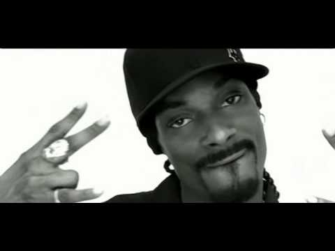 Snoop Dogg featuring Pharrell - Drop It Like It's Hot