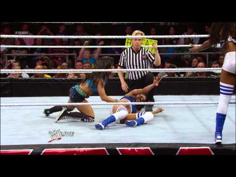 Kaitlyn & The Funkadactyls vs. AJ Lee & The Bella Twins: Raw, May 6, 2013