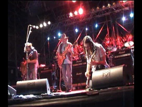 DICKEY BETTS - smokin' version - ONE WAY OUT - PISTOIA BLUES 2008 ITALY