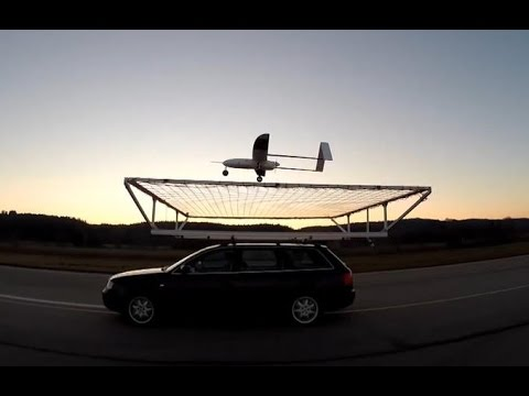 Tomorrow Daily - Winged drone lands gracefully...on top of a moving car, ep. 303 - UCOmcA3f_RrH6b9NmcNa4tdg