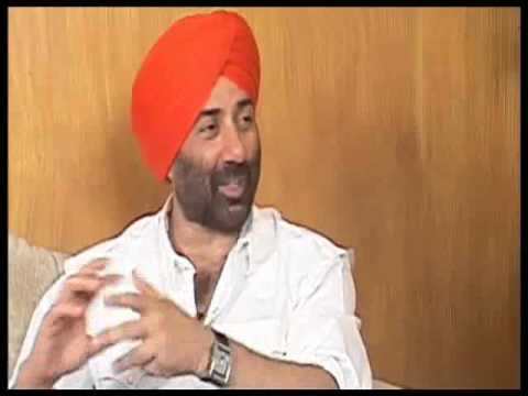 Sunny Deol Speaks About Yamla Pagla Deewana Part 1 - YouTube