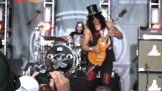 Slash and Myles Kennedy Jets Pre-Game Show view on youtube.com tube online.