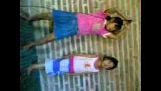 goyangan erika dan tanty umur 5 & 3 tahun..3gp view on youtube.com tube online.